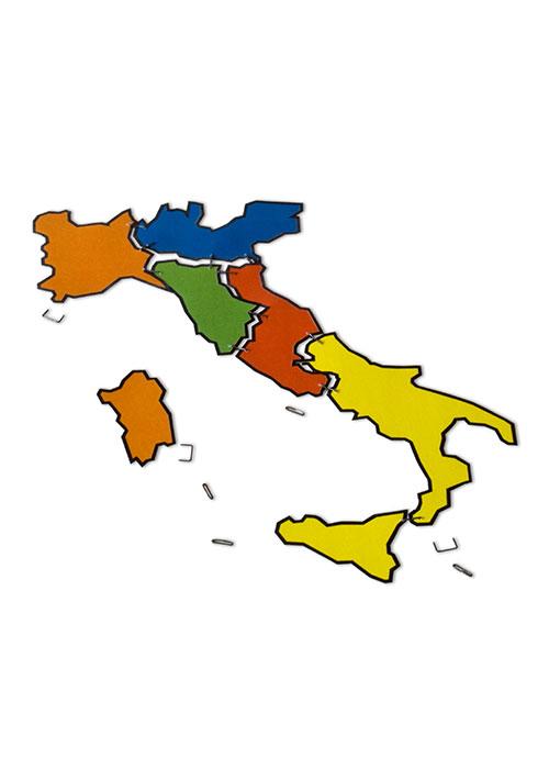 """Italia unita, 2011, foto e computer grafica, cm 50x70 Poster selezionato al concorso Internazionale di illustrazione, grafica e satira """"FRATELLI D'ITALIA""""."""